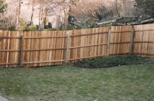 installing privacy fence hill 1