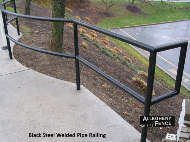 Black Steel Welded Pipe Railing