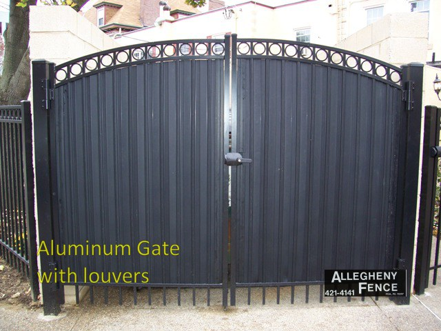 Aluminum Gate with Louvers