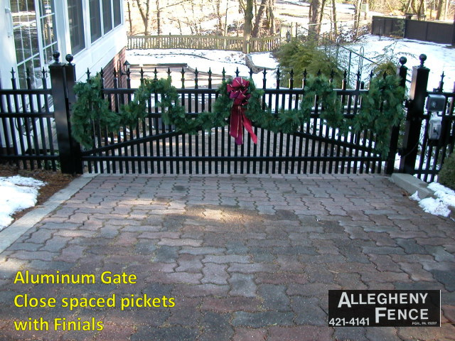Aluminum Gate Close Spaced Pickets with Finials