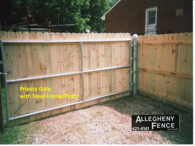 Privacy Gate with Steel Frame/Posts
