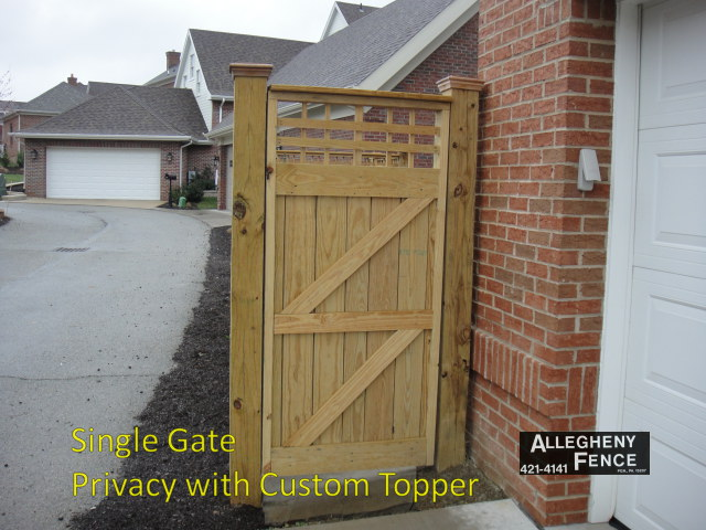 Single Gate Privacy with Custom Topper